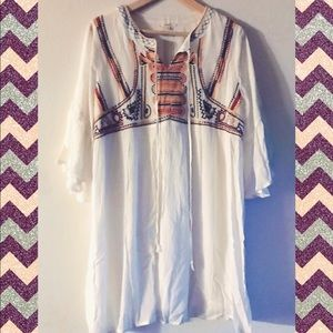 Easel  💚 Tunic with embroidery